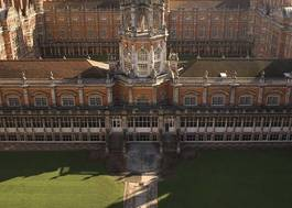 Institution featured at 70 percent quality 871 royal holloway founders building20120906 2 xqhr43